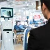 【AIが人手不足を解消】小売業に特化したAI接客システムを開発、多言語対応で外国人の接客も可能に!